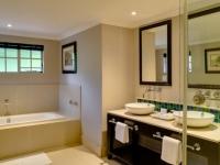 Mount Grace Luxury Pool Room Bathroom