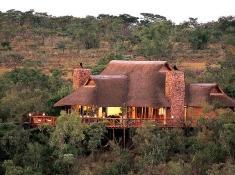 Nungubane Lodge Exterior