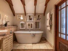 Luxury-Loft-Room-09-bathroom-02
