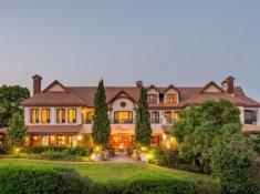 Olivers-Main-Lodge-evening-1-Copy
