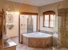olivers-executive-suite08-bathroom-02