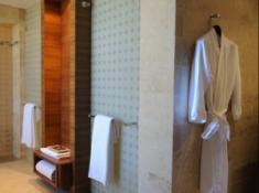 Oubaai Presidential Suite Bathroom