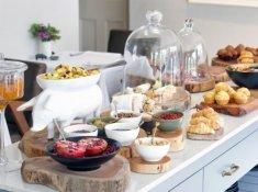 Robertson Small Hotel Breakfast Buffet