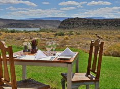 Sanbona-Gondwana-Family-Lodge-Lunch