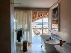 Sanbona-Gondwana-Lodge-Bathroom