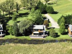 Sani-Valley-Lodge-Lakeside-Lodges-1