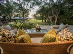 Savanna-Main-Lodge-Garden