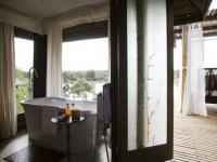 Simbavati Hilltop Lodge Bathtub