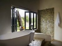 Simbavati River Lodge Bathroom