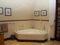 Swartberg Private Game Lodge Bathroom 1