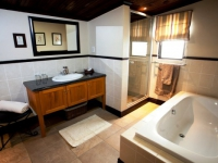 Swartberg Private Game Lodge Bathroom