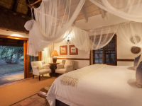 Thornybush Waterside Lodge 10