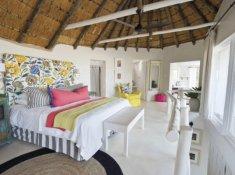 Umngazi-Honeymoon-Double-Storey-Suite