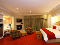 Walkersons Luxury Lakeside Suite 2