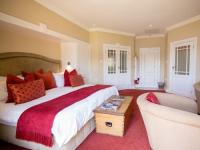 Walkersons Luxury Lakeside Suite