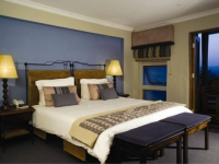 Whalesong Hotel & Hydro Blue Bedroom