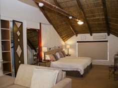 Zebra-Country-Lodge-Bush-Lodge-5