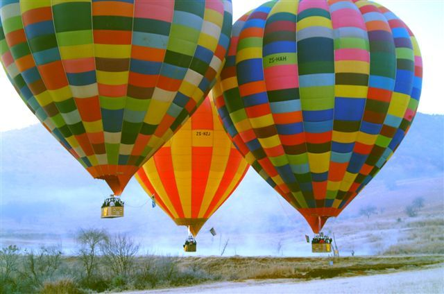 "Bill Harrop's ""Original"" Balloon Safaris"