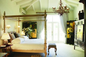 Colona Castle Lakeside luxury accommodation Cape Town