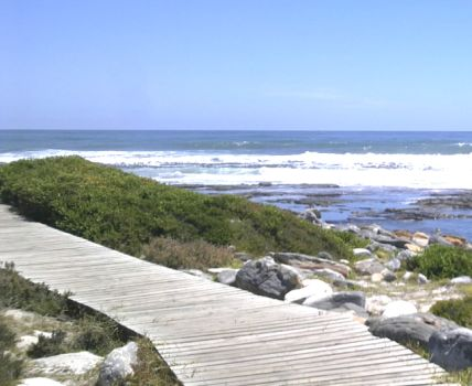 In Cape Town? Take a Short Stroll in the Limelight: Kommetjie to Slangkop Lighthouse