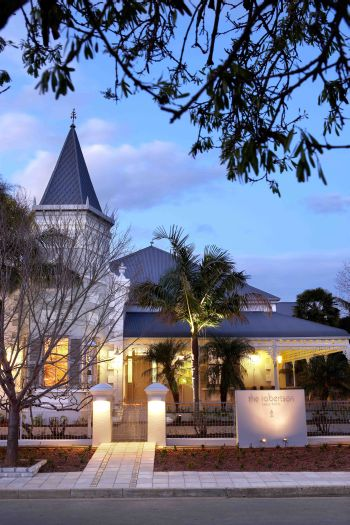 Hello Capetonians, Anyone for a Weekend Getaway in Robertson?