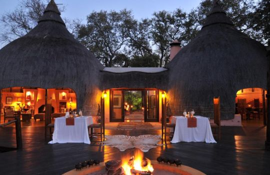 Earthy Huts, African Healers, Traditional Tales & the Big Five: A Hoyo Hoyo Safari