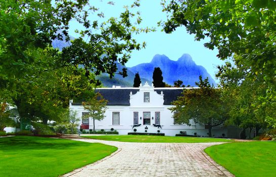 Laugh a Little, Ladies, and Eat Well: Giggling Gourmet at Lanzerac Wine Estate for Woman's Day