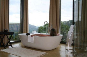 Your bathtub with sensational views at The Gorge, KwaZulu-Natal