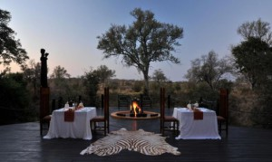 Outdoor dining at Hoyo Hoyo, Kruger National Park
