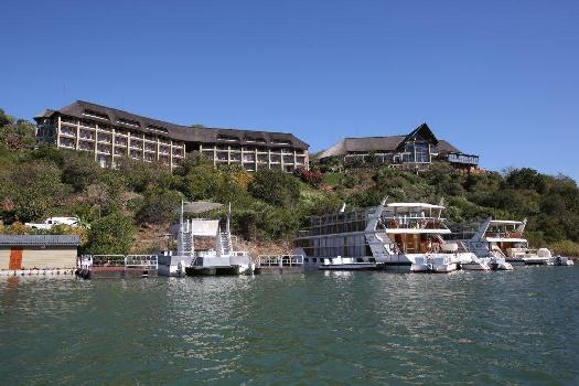 Conference Getaway & Nature Bonanza on Lake Jozini KwaZuluNatal: 3 Hours ex Durban and 5 Ex Johannesburg