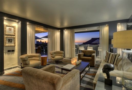 """""""Oh so Lovely"""" is O on Kloof. Chic Urban Luxury on Cape Town's Celebrity Seaboard"""