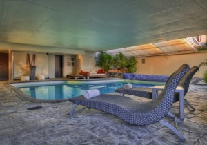 The heated pool at O on Kloof