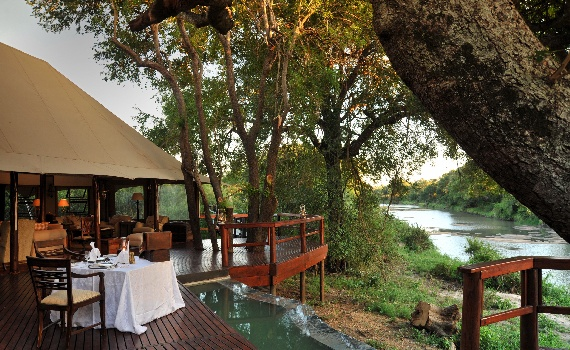 Hamiltons Tented Camp - outdoor dining