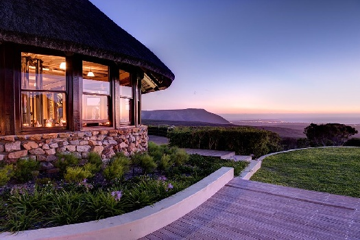 luxury accommodation walker bay area overberg