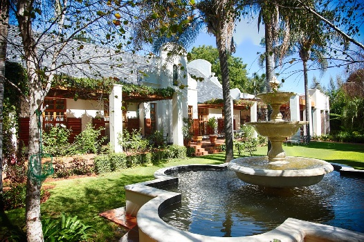 Introducing Kleine Constantia Boutique Guest House: Quiet Pamper-Spot near West Rand Business Hub