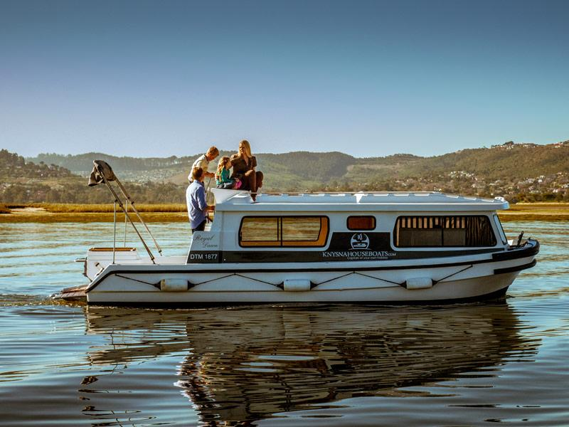 Cruising 'n Snoozing: 4 Heaven-Sent Houseboat Holidays in South Africa