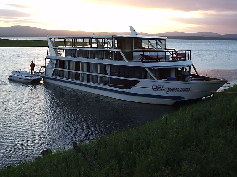 houseboat holidays and accommodation in South Africa