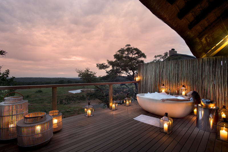 Luxury outdoor showers and bath tubs on safari exclusive for Cheap weekend vacations in the south