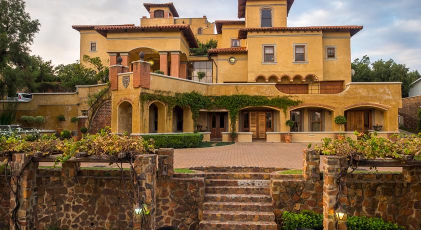 luxury accommodation Pretoria