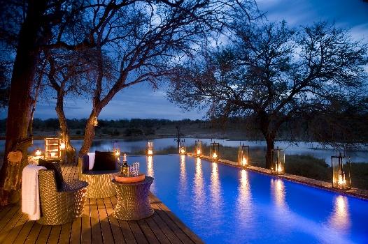chitwa-poolside-by-night