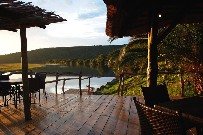 kariega-river-lodge-deck
