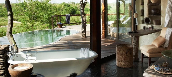 singita-boulders-bathroom-and-deck