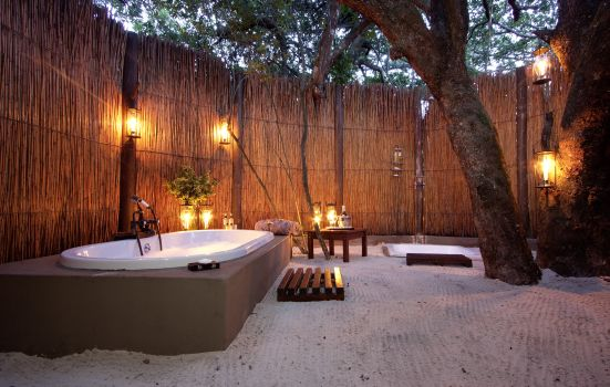 luxury outdoor bathroom South Africa