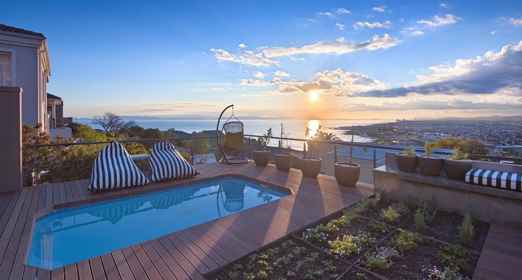 Gordon's Bay: Grand Getaways in a Gorgeous Coastal Haven Close To Cape Town